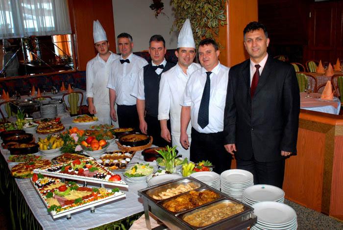 05_Restaurant in Hotel Molika (Ресторан во Хотел