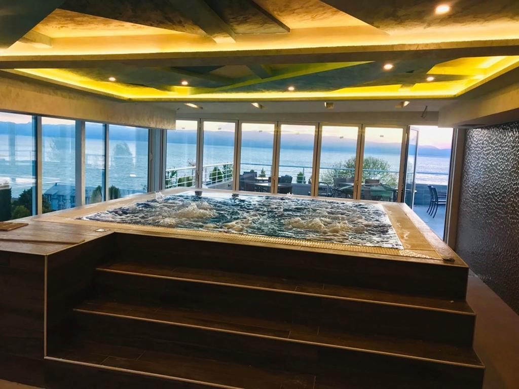 Хотел Маива 4*- Охрид